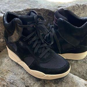 Sketchers +3 hidden wedge sneakers